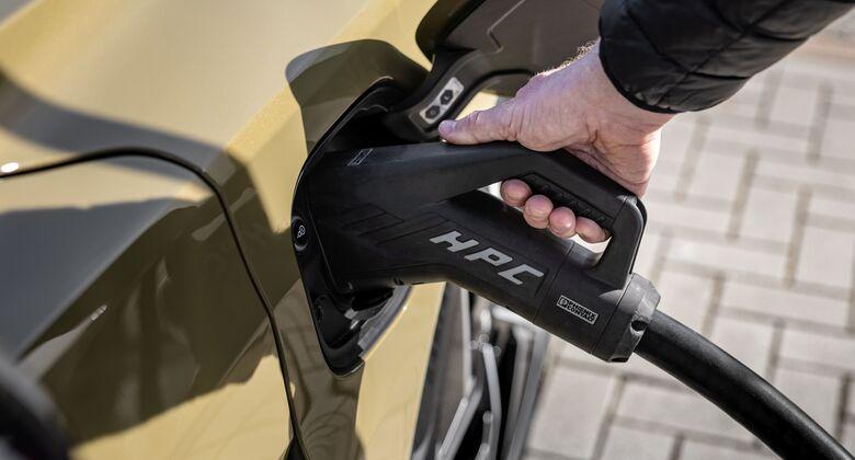 Audi e-tron GT 2021, E-Auto, Ladestation, laden