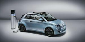 Fiat 500 2020, Ladesäule, E-Auto. Laden
