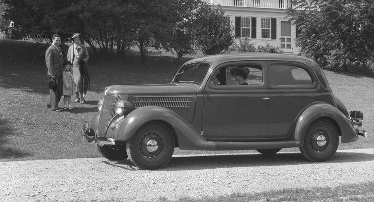 Ford US V8 Tudor Sedan
