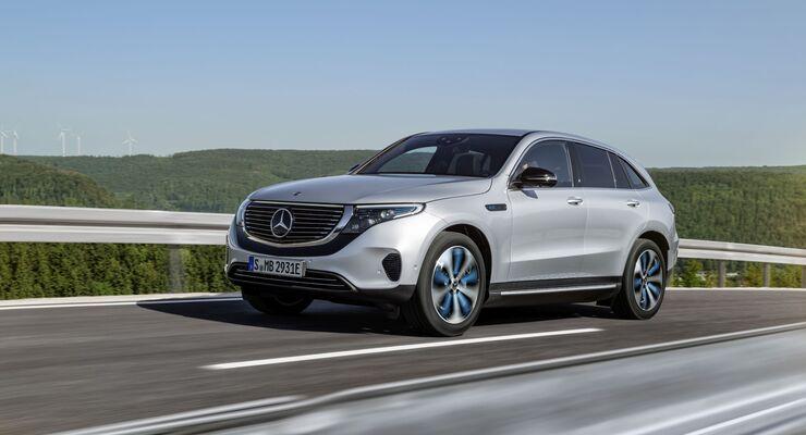 Innerhalb von nur vier Jahren will Mercedes mit seiner Submarke EQ sieben Elektromodelle auf der Straße haben. Den Schalter legt diesen Sommer das SUV EQC um
