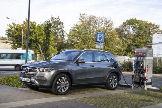 Mercedes-SUV mit Plug-in-Hybrid