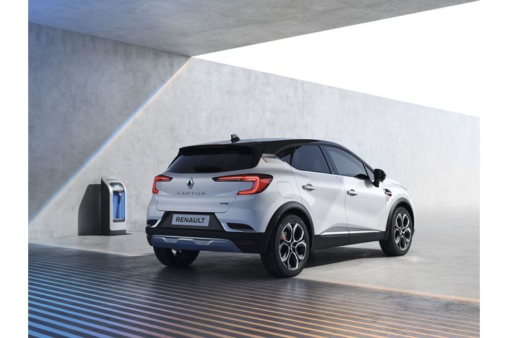 Renault Captur 2020 , Plug-in Hybrid, Ladesäule, laden
