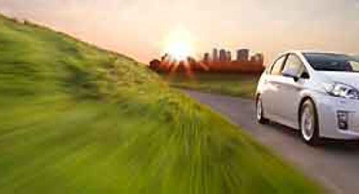 Toyota Prius punktet mit Hybrid-Technik