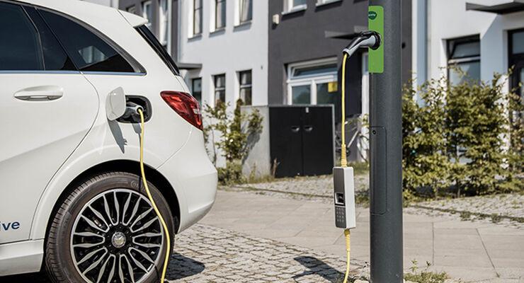 Ubitricity Ladestation E-Auto Elektroauto laden aufladen Kabel